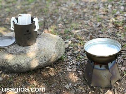 ヘキサゴンウッドストーブで朝のコーヒータイム