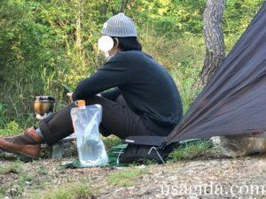キャンプツーリング入門Bセットを使う男