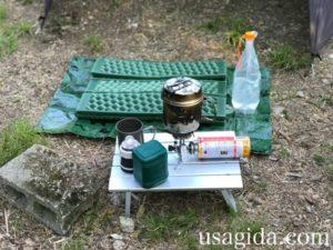 キャンプツーリング入門Bセットのテーブル周り