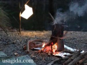 スノーピークのチタンシングルマグ450と焚き火