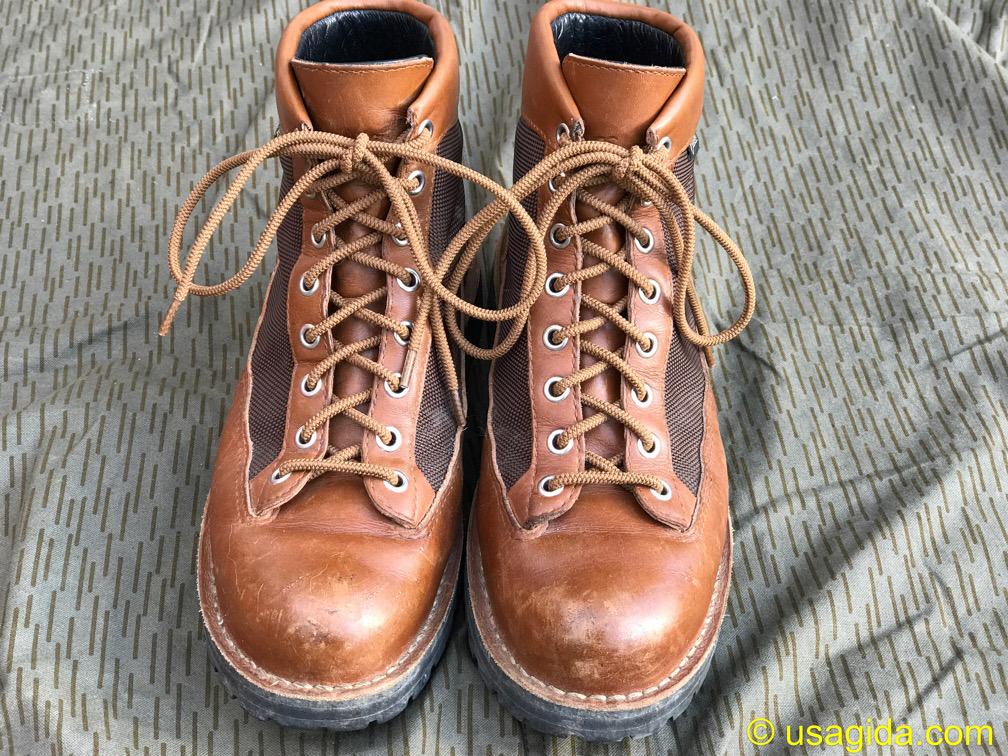 靴紐がゴム紐に交換されたダナーフィールド