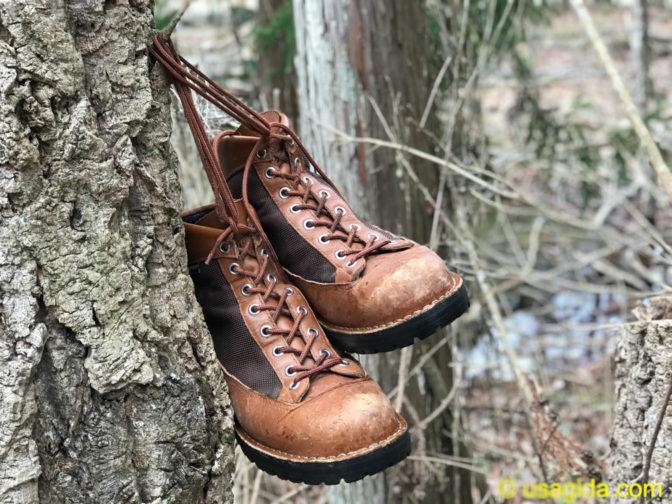 木に吊るされたダナーフィールド