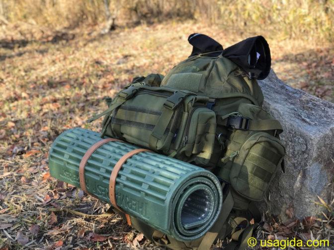 冬キャンプ道具をパッキングされたカリマーSFのプレデター30