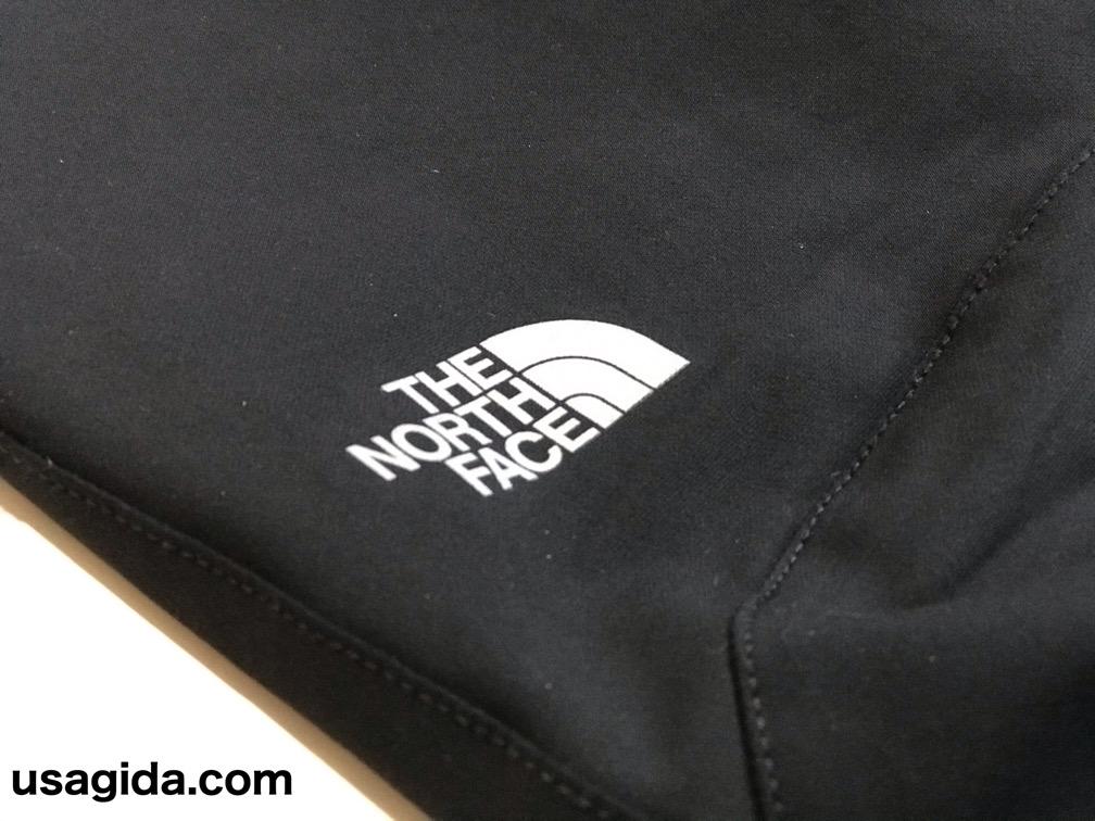 ノースフェイスのアルパインライトパンツのロゴ