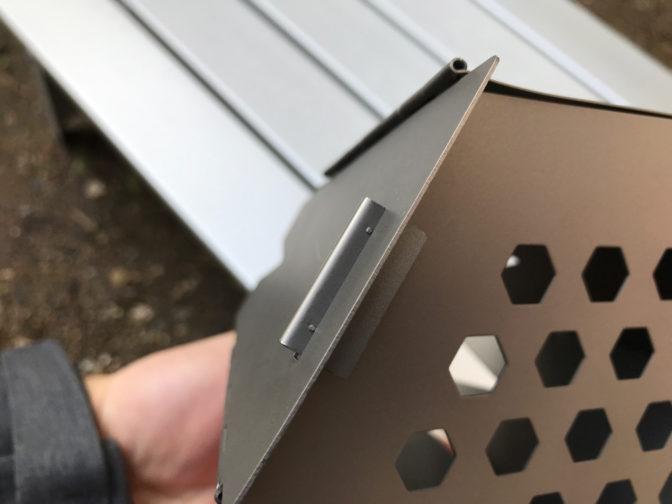 バーゴのチタニウムヘキサゴンウッドストーブの組み立てのポッチ