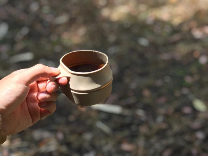 ウィルドゥのフォールダーカップとコーヒー
